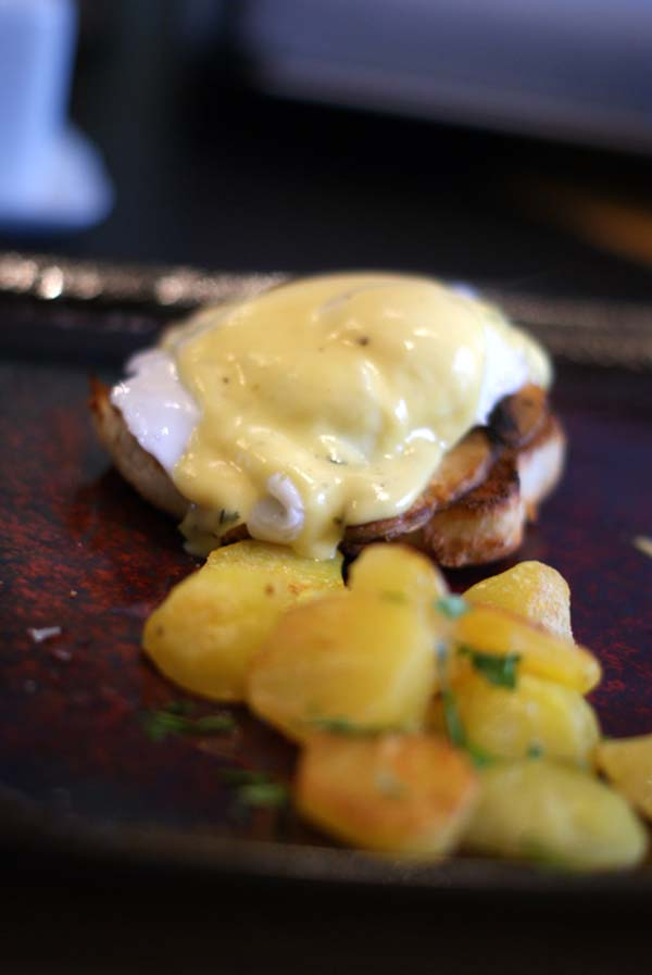 mushrooms eggs benedict