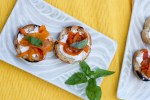 Cream-cheese-and-peppers-crostini