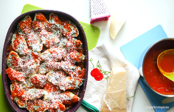 Baked Conchiglioni with Provola, Ricotta and Spinach