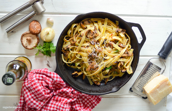 Fettuccine with Crimini Mushrooms in a White Truffle Oil and Wine Sauce