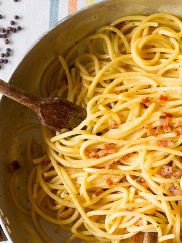Carbonara-feature-in the pan