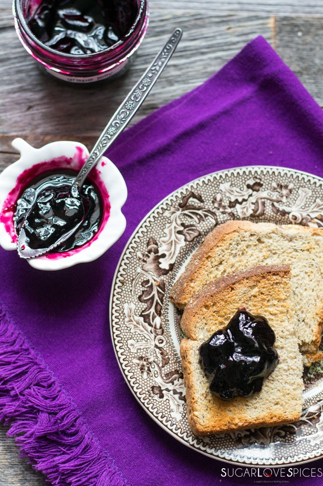 Concord Grape Jelly (pectin-free)