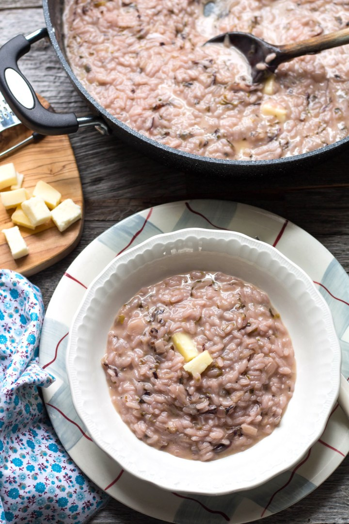 classic italian risotto with radicchio and taleggio-rev-pan and plate