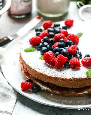 Torta Paradiso with Summer Berries and Jam-feat