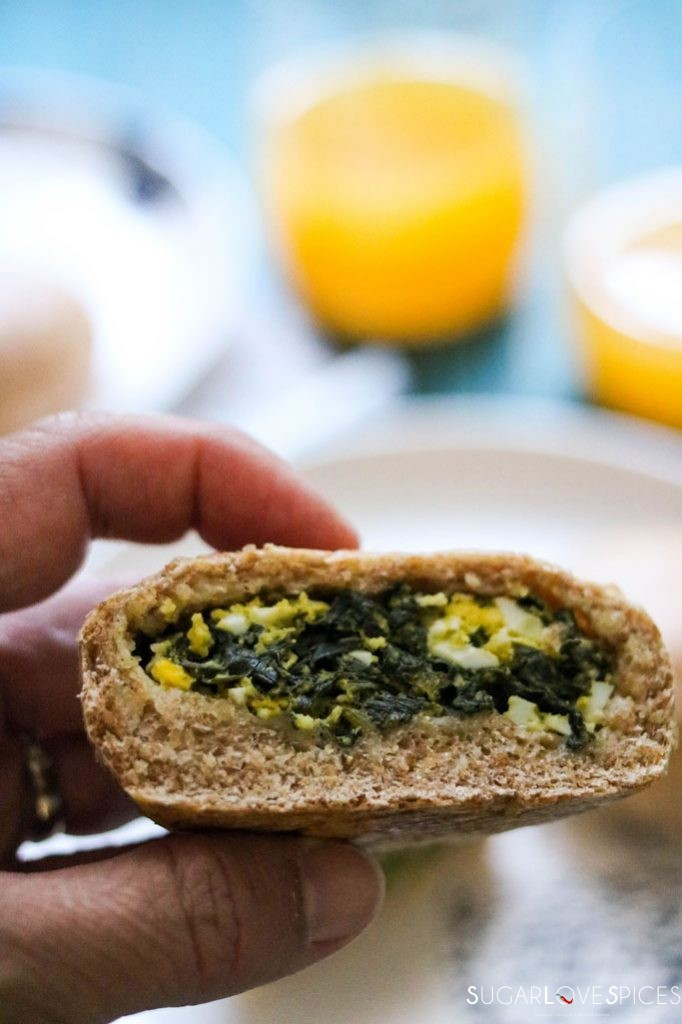 Egg and Spinach Whole Wheat Buns