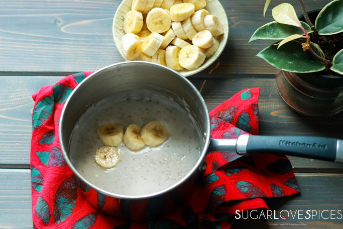 Cambodian Tapioca Banana Pudding-preparation:bowl with tapioca and bananas
