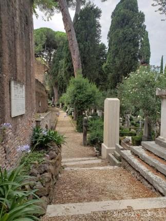 cimitero laico