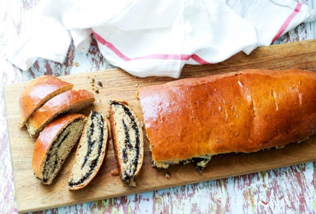 Ukranian Poppy Seed Roll-feature