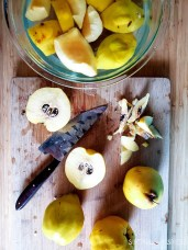 Easy quince jam-cutting quinces