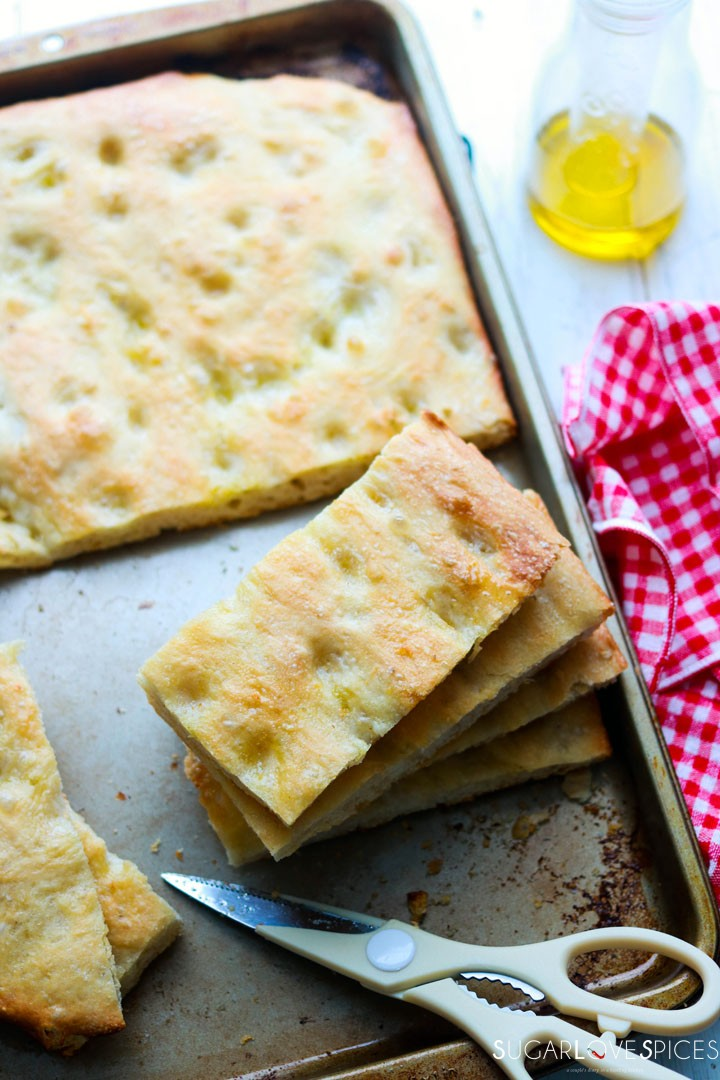 How to make Italian Focaccia Genovese-cutting the focaccia