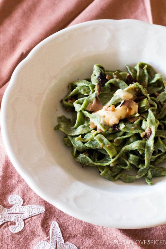 How to make Spinach Fettuccine-in the white plate2