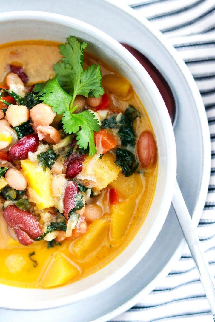 One pot Easy Curried Squash and Bean Stew-closeup-bowl-side-cut