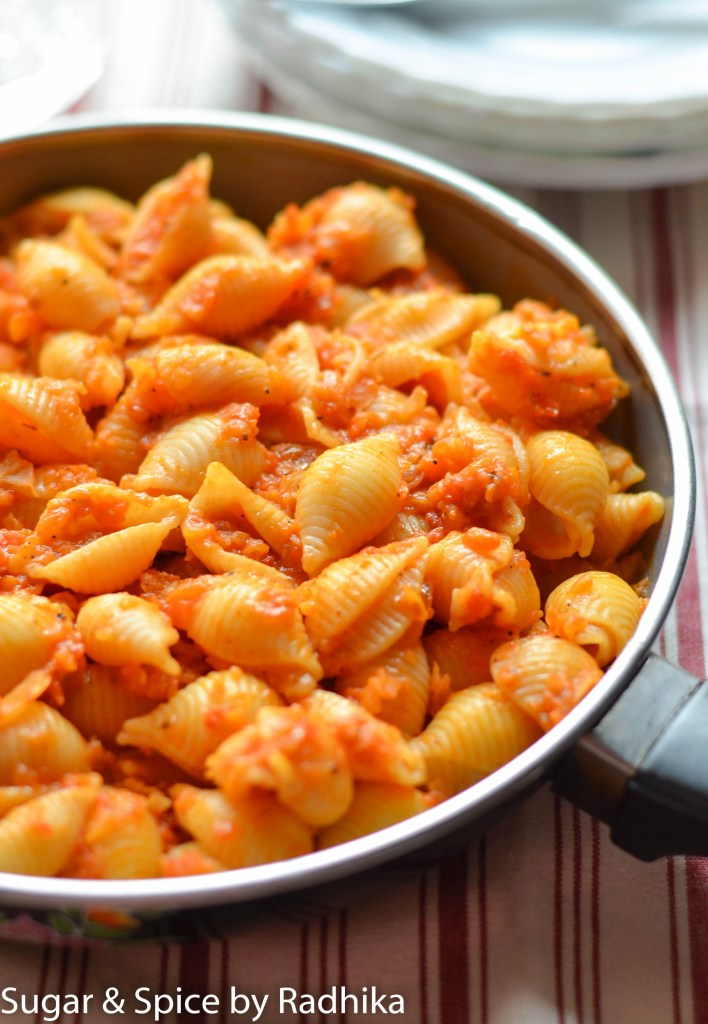 Roasted Red Pepper Pomodoro Pasta