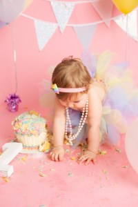 cake smash photography session balloons cake portraits