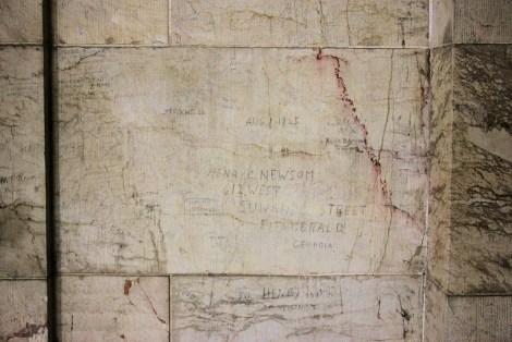 Der Goldene Saal Bild 03 - Graffiti der Alliierten