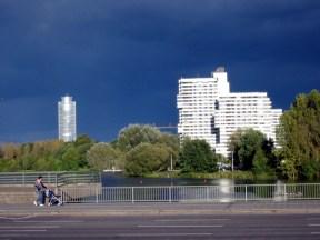 Nürnberg Impressionen #1 - Der Business Tower und der Norikus am Wöhrder See