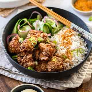 Karaage Chicken (Japanese Fried Chicken) - Super quick to make and bursting with flavour #friedchicken #appetizer