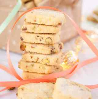 Orange Pistachio Shortbread Cookies