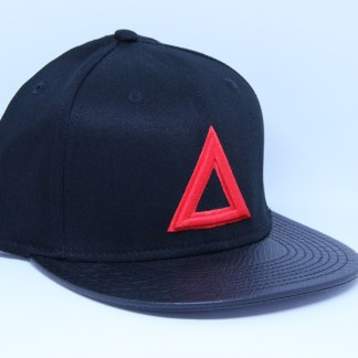 classic-snap-back-black-red-triangle-leather-brim (1)