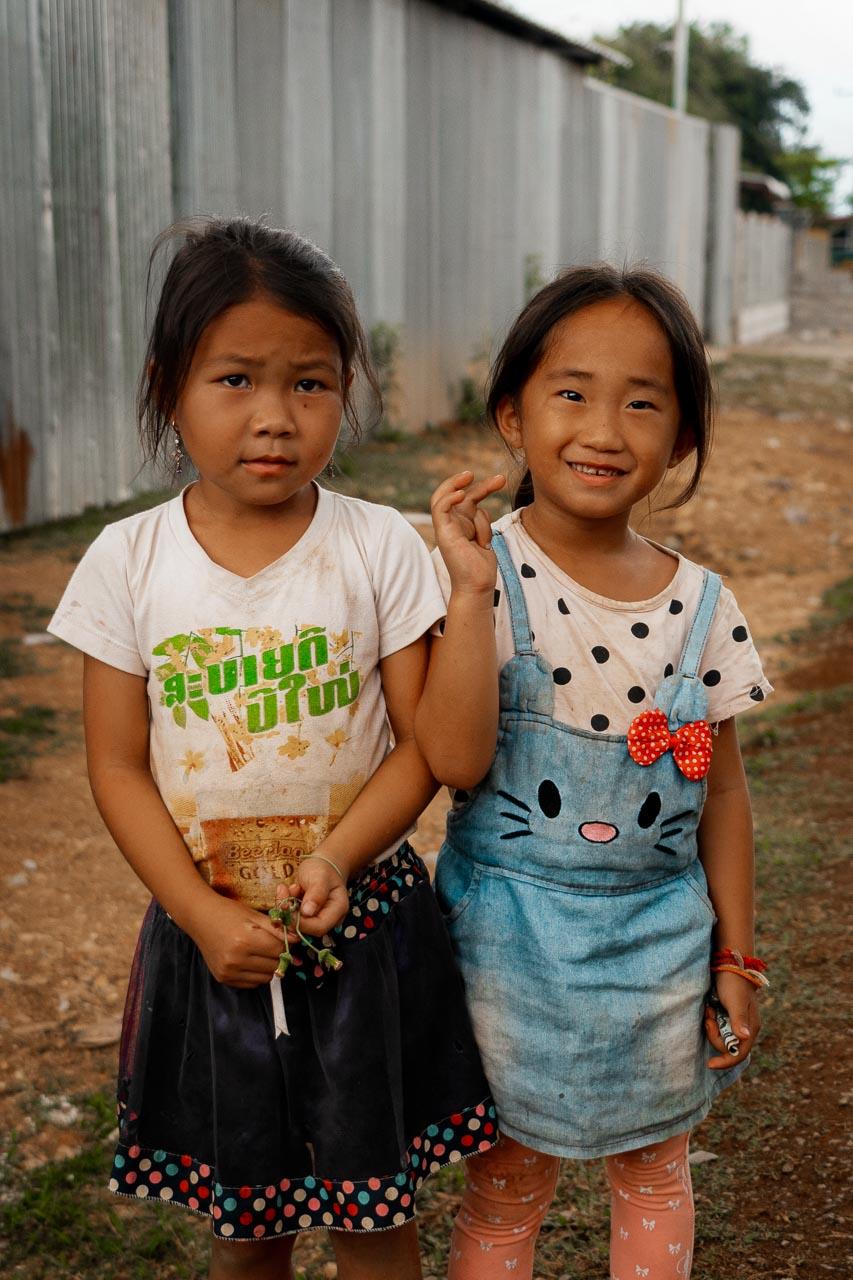 Laos Vang Vieng local kids