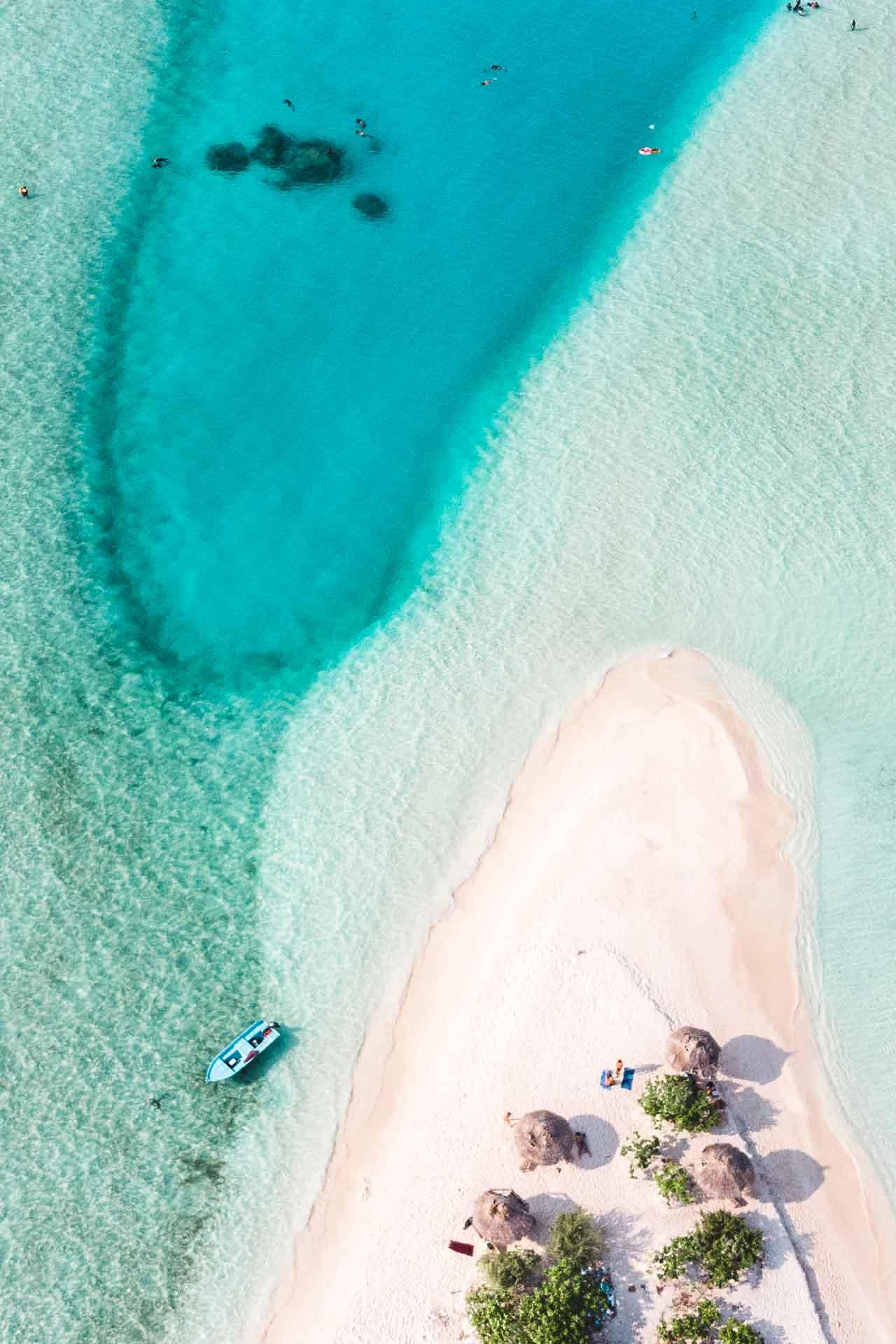 Maldives - Rasdhoo Sandbar island