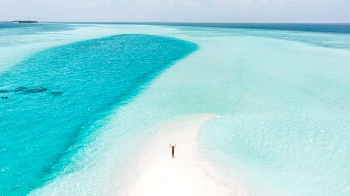 10 tips to save money when you travel to the Maldives