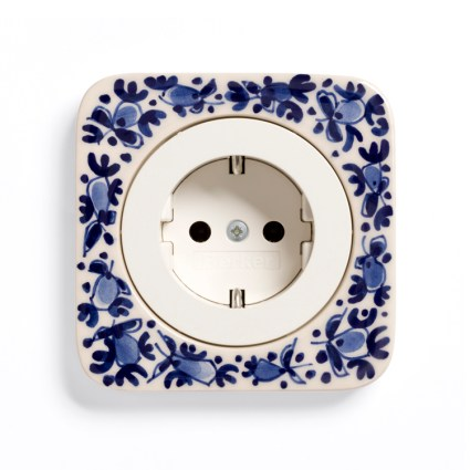 Image: Berker R.1 Handpainted Delft Blue ceramics, single model + Berker R-series SCHUKO socket