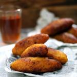 Unnakaya (stuffed plantain fry)