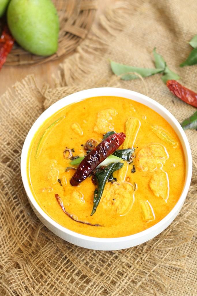 Chemmeen Muringaka Curry With Mango