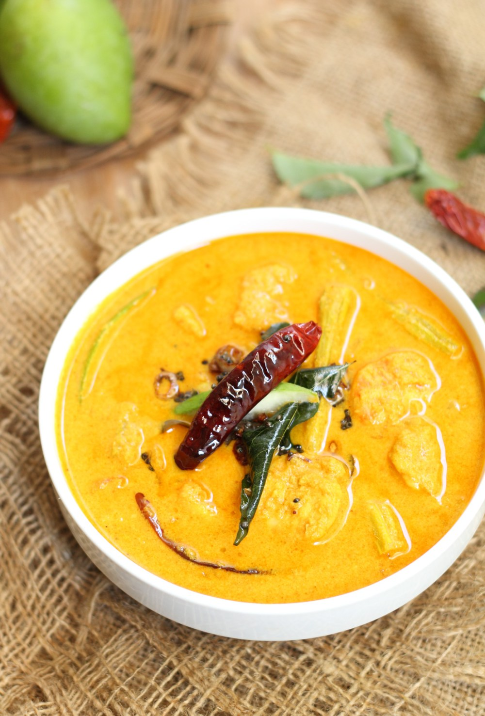 Chemmeen Muringaka Curry With Mango