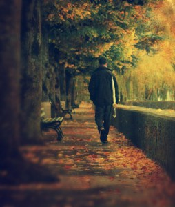 autumn-back-fall-late-autumn-lonely-man-Favim.com-67059