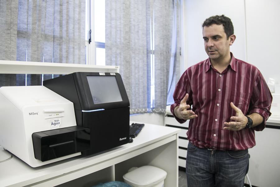 05/08/2016 - PORTO ALEGRE, RS - Entrevista com Professor de Microrganismos, Fernando Spilki da Feevale. Foto: Maia Rubim/Sul21