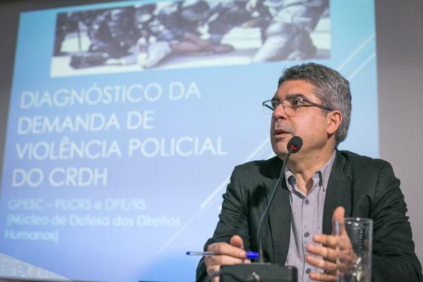 """Rodrigo de Azevedo: """"Quem fala em violência policial aqui no Estado é acusado de falar em favor de bandidos. Esse debate vem sendo interditado e isso é muito grave"""". (Foto: Guilherme Santos/Sul21)"""
