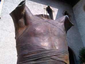 Mitoraj Castel Corazza 19080 bronzo Vecchio Verona 2013