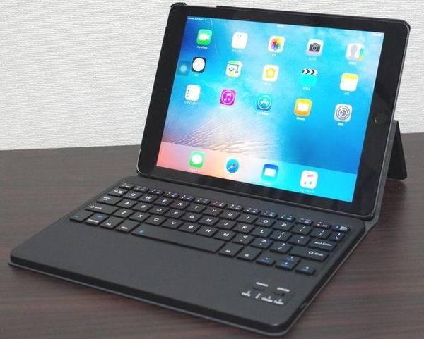 iPad 2017 キーボード付ケース