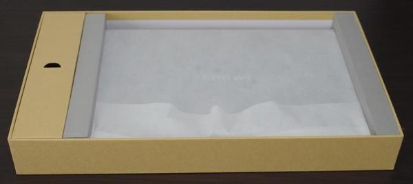Chuwi Lapbook Air 外箱の内側