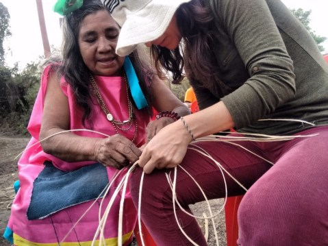 In Salta, travelers get the chance to help locals make artisan crafts