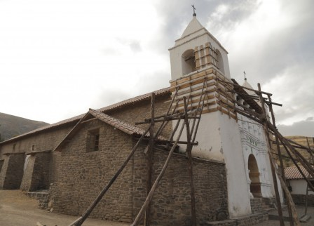 Coporaque church (of colonial baroque influence) under restoration after last year's earthquake