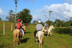 Horse-riding around the Tenorio Volcano National Park