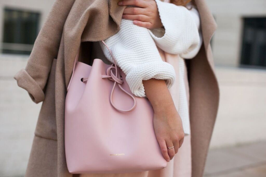 Outfit: Pure White, Rose & Nude.