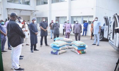 Edo State Deputy Governor and Chairman, Technical Sub-Committee on COVID-19, Rt. Hon. Comrade Philip Shaibu speaking while receiving food items from members of the Edo State House of Assembly led by Speaker, Rt. Hon. Frank Okiye at the Government House, Benin City.