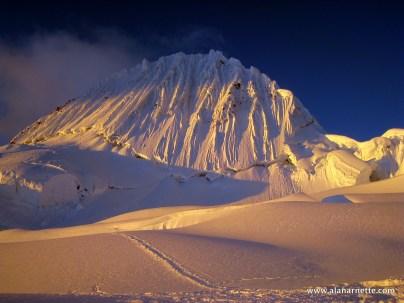 Alpamayo Alpineglow