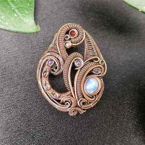 Moonstone-Medallion SunayLaLuna Exclusivejewelry