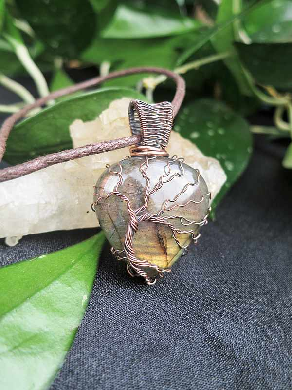 Labradorite-Pendant TreeOfLife Exclusivejewelry