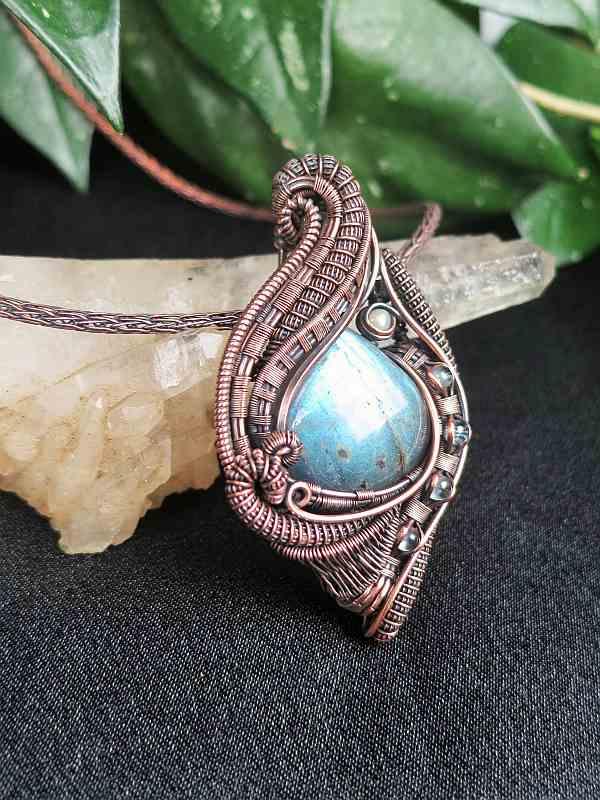 Labradorite-Medallion Exclusivejewelry Labradoritjewelry