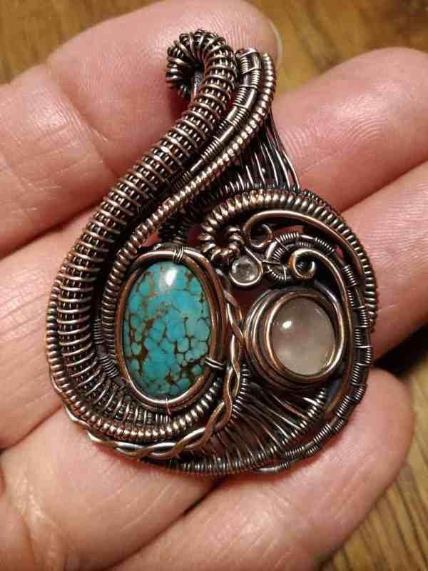 tourquise-rosequartz-medallion exclusivejwelry sunaylaluna