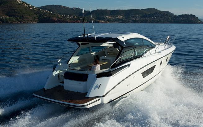 Beneteau Gran Turismo 40 Motorboat Cruiser For Sale At
