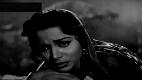 Waheeda acting on Shakeel's Aye mohabbat meri duniya mein tera kaam naa tha, in Bees Saal Baad