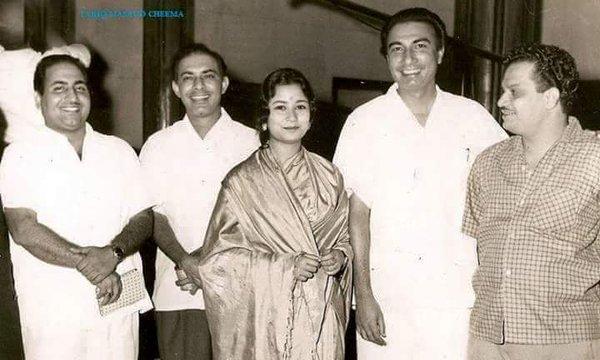 Mohammad Rafi, Talat Mehmood, Indrani Mukherjee, Sahir Ludhianvi and N Dutta (picture courtesy: Bollywoodirect)