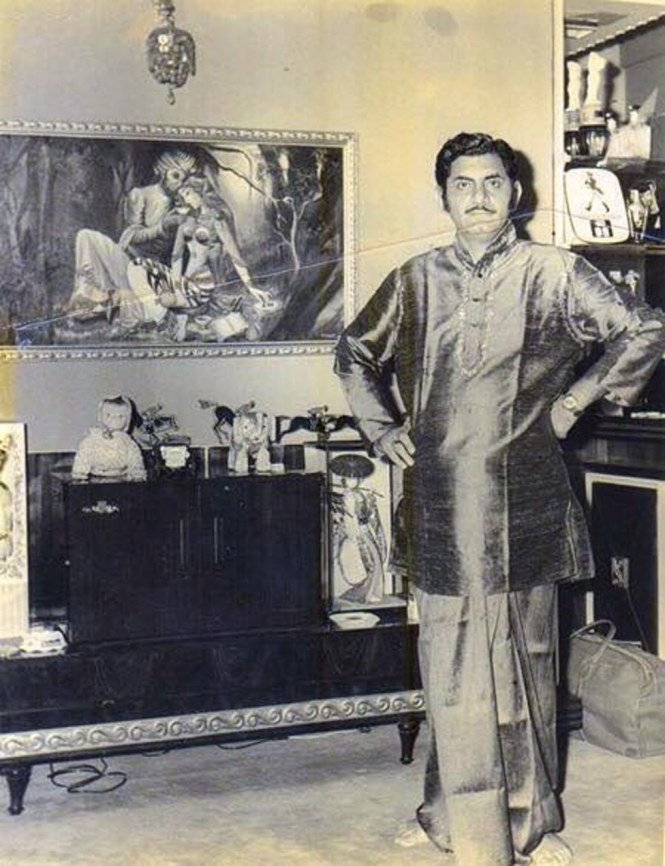 Anand Bakshi at his home (Pic courtesy: www.thequint.com)